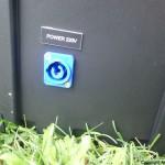PowerCon kontakt for strømtilførsel